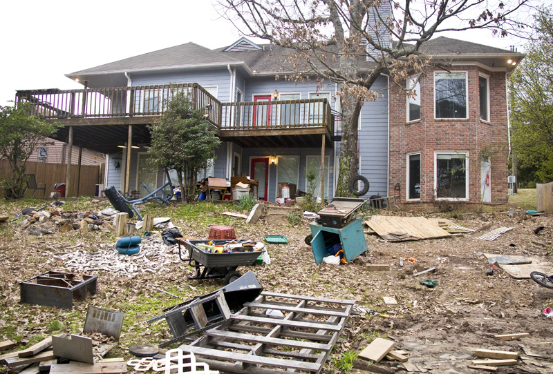 Eviction on Canada Road leaves piles of debris and blowing